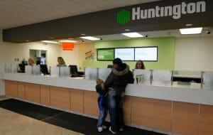 Huntington Bank Holiday Hours